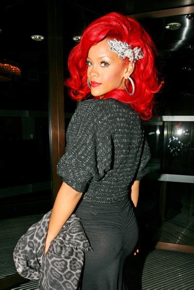 how to do rihanna hairstyles rihanna hairstyles pictures 2012 rihanna s fire red