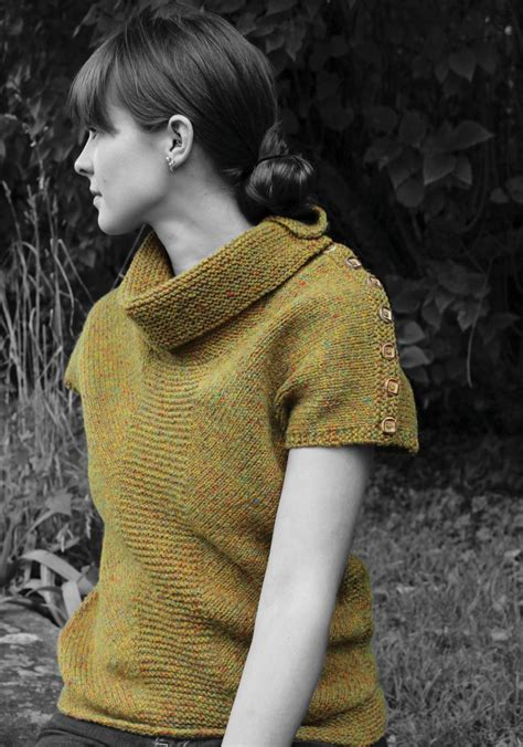 buttoned cowl knitting pattern antrim buttoned cowl vest watershed pattern harrisville