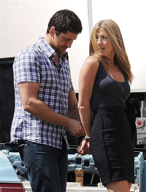 taylor swift bendy boat railing jennifer aniston handcuffed on movie set celebrity fan