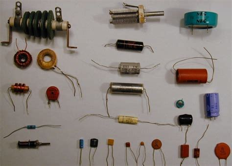 a capacitor and two inductors are placed in parallel characteristic