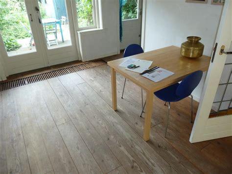 Houten Vloer In De Was Zetten by Schuren En In De Olie Zetten Massief Grenen Vloer