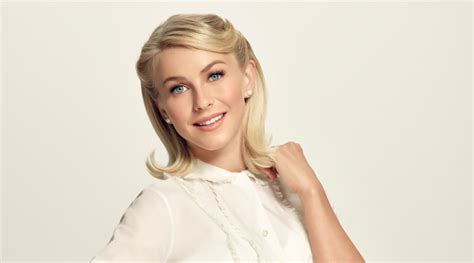 julianne hough as sandy julianne hough as sandy in grease live thetvpage