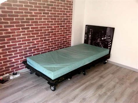 futon on wheels pallet bed 101 pallets