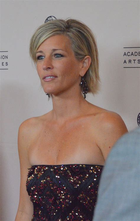 what does laura wright put in her hair when its curly laura wright wikipedia