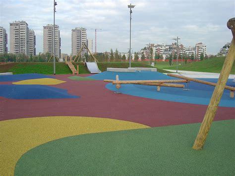 pavimento antiurto pavimentazioni antitrauma in getto continuo sportissimo