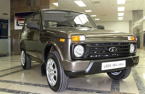 Lada Niva 2014 Facelifted Lada Niva Leaked Ran When Parked
