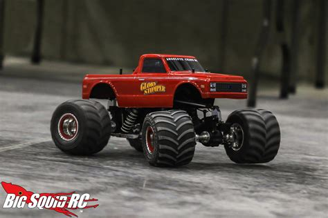 wheels monster truck videos everybody s scalin the wheels in the sky keep turnin