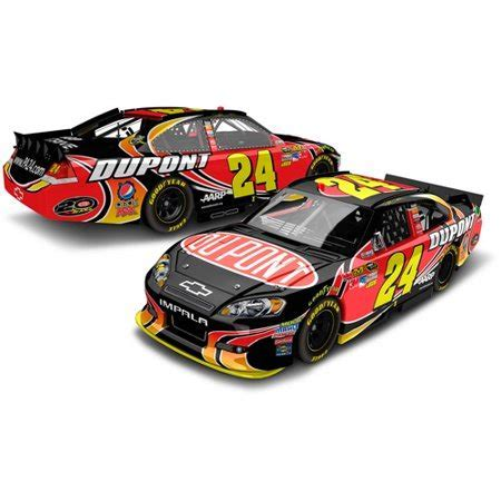 Lionel NASCAR Collectibles Jeff Gordon #24 DuPont Die Cast