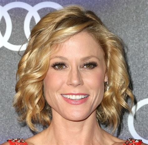 claire dunphy s hairstyles julie bowen hair bangs or no bangs pinterest sarah