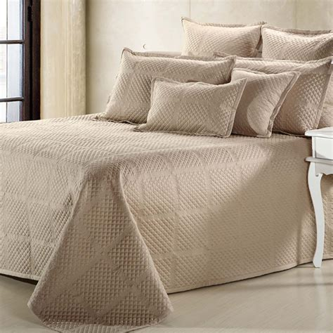what is a coverlet coverlet vs quilt what is significant difference homesfeed
