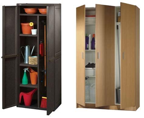 nuevos armarios escoberos  guardar los utensilios de limpieza unacasabonita
