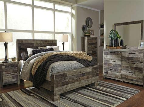 Ashley B200 Derekson Gray Queen Panel Bedroom Set   SALE