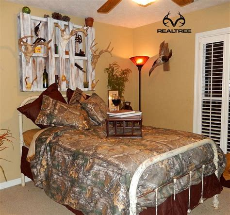 hunting bedroom ideas personalize your bedroom with realtree xtra camo bedding