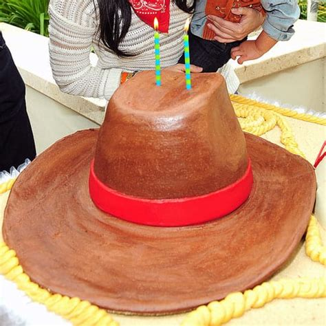 17 best images about celeb kids on pinterest kim 17 celebrity kids birthday cakes sweet sweeter
