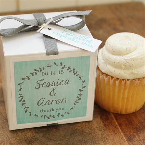Cupcake Giveaways - 25 best cupcake wedding favors trending ideas on pinterest wedding favour cupcakes
