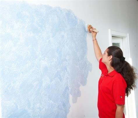 wandgestaltung farbe raumwirkungen entscheidend ver 228 ndern dank professioneller