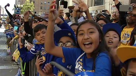 golden state warriors fans photos golden state warriors victory parade abc13 com