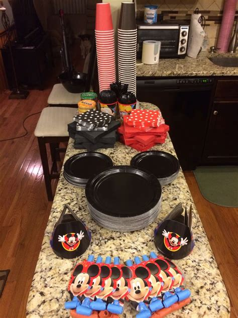 mickey mouse decorations diy easy diy decorations to make your mickey mouse birthday