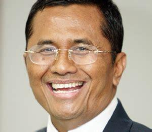 Dahlan Iskan Pemimpin Yang Happy kisah sukses dahlan iskan anak miskin yang jadi menteri