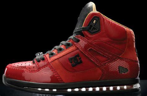 Sandal New Era Jepit dc shoes x new era 20 94 enzo pack sneakernews