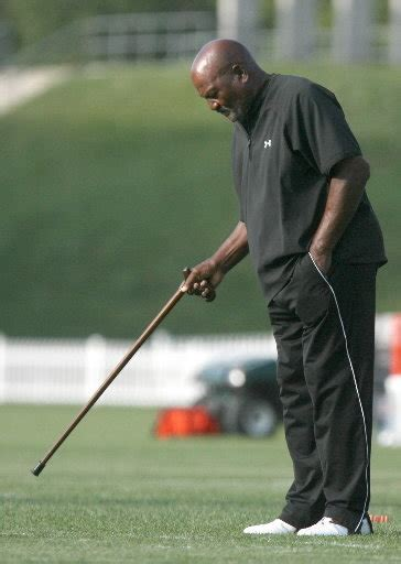 Browns 5 Year Left Out Of Will by Jim Brown Will Return To Cleveland Browns Stadium After