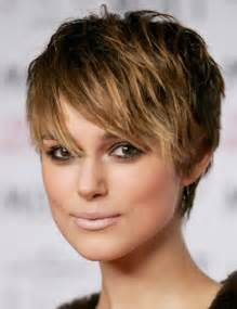 coupe de cheveux courts pour femmes