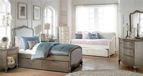 kensington bedroom set kensington antique silver katherine upholstered youth