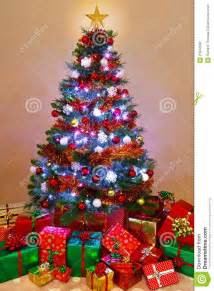 christmas tree with presents free large images
