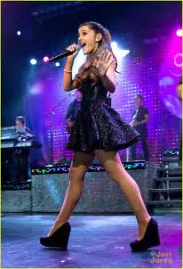 Ariana grande listening sessions nyc concert pics photo 587934