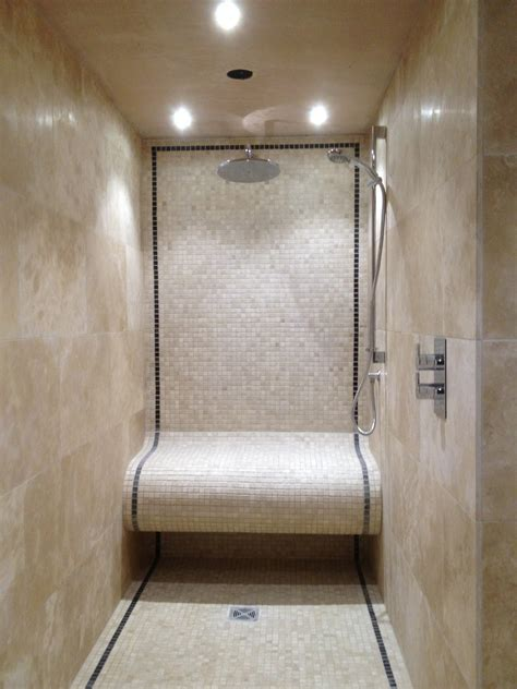 BATHROOM DESIGN: Mosaic Tile With Travertine Tile With