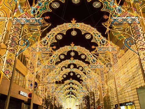 where to see the world s best christmas lights photos