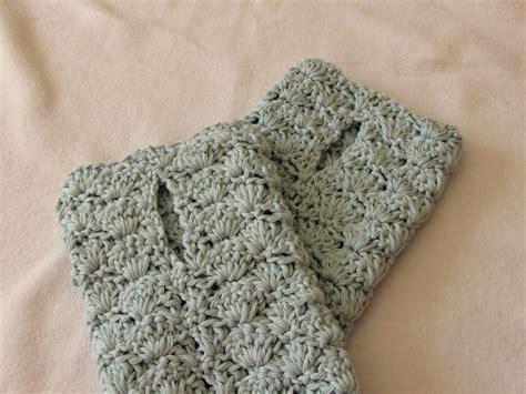 pattern gloves youtube very easy crochet shell stitch wrist warmers fingerless