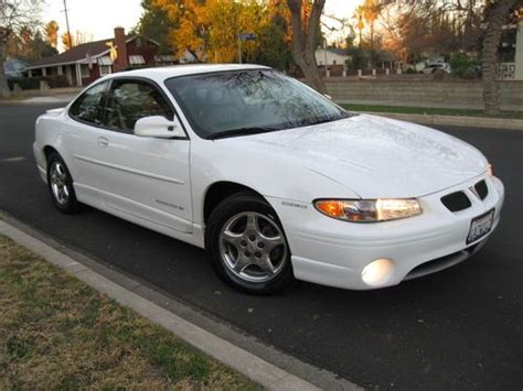 1998 Pontiac Grand Prix Coupe by Sell Used 1998 Pontiac Grand Prix Gt Coupe 2 Door In