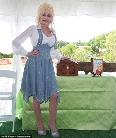 dolly parton admits she wasn t meant to have kids as she