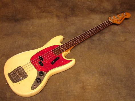 fender mustang bas the unique guitar fender bass guitars the