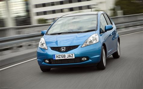 Honda Jazz At 2011 honda jazz 2011 widescreen car photo 05 of 36