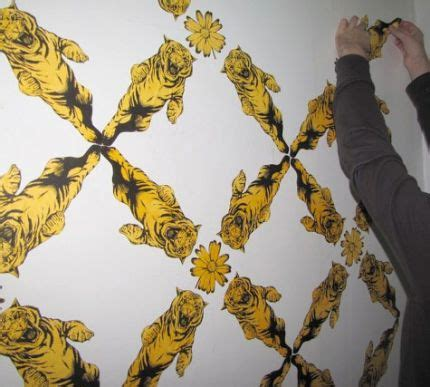 temporary fabric wallpaper tutorial heather handmade how to make your own wallpaper motif craftstylish