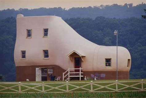 shoe house hellam pa the shoe house and other buildings that look like things