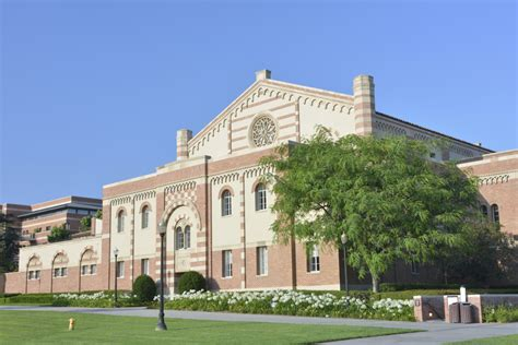 Ucla Mba Us News by 10 Colleges That Receive The Most Applications The