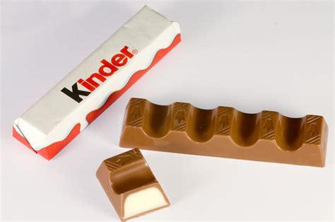 lade nouveau les barres de chocolat kinder aussi bonnes que dangereuses