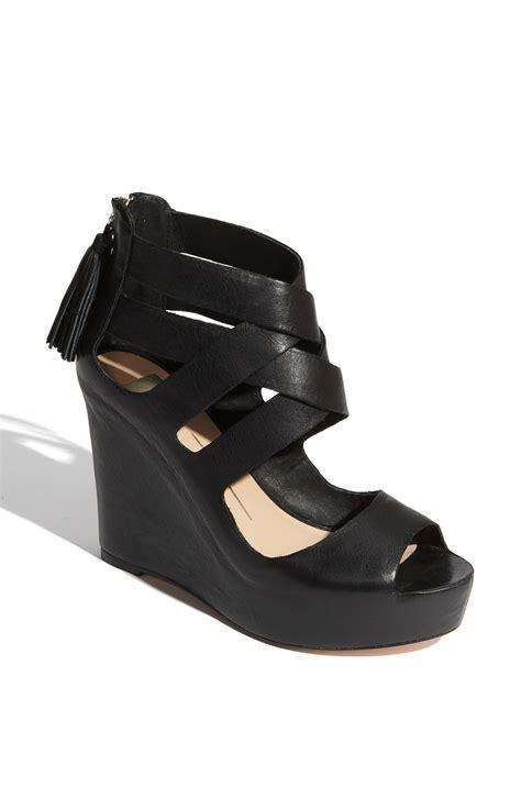 dolce vita wedge sandal dolce vita jade wedge sandal in black black leather lyst