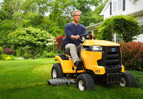 best lawn tractors best garden tractors best lawn mowers top lawn