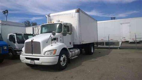 kenworth box truck kenworth 18ft box truck 33 000 gvwr units to