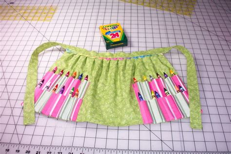 pattern for crayon roll up pattern for crayon apron and crayon roll by sewingfun on etsy