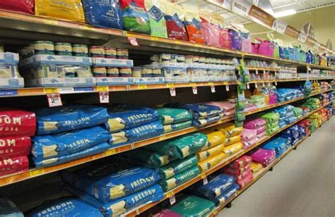 changing puppy food us pet food retail changing channels petfoodindustry