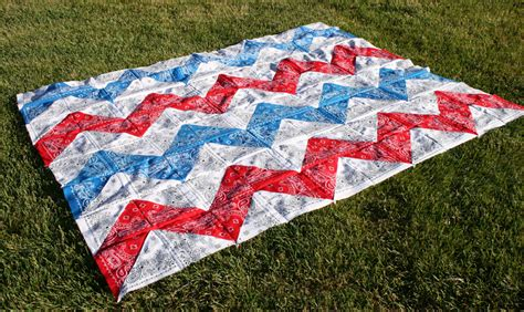 Bandana Quilt Patterns by 9 Easy Bandana Quilts To Inspire You Quilting Digest