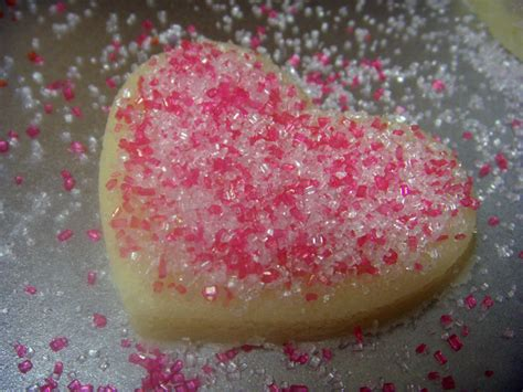 How To Decorate Sugar Cookies With Sprinkles by How To Decorate Valentine S Day Cookies 187 And All The