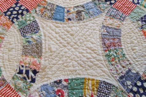 White Double Wedding Ring Quilt