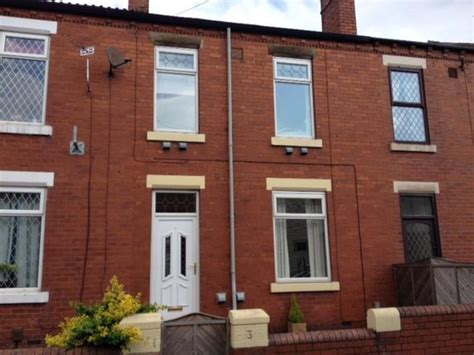 3 bedroom house to rent wakefield 3 bedroom terraced house to rent in clifton place