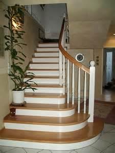auftritt treppe holztreppen galerie viertelgewendelte treppe